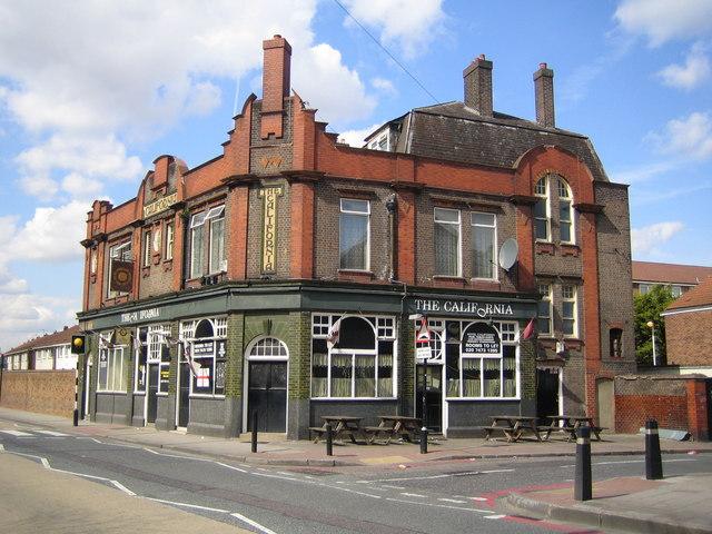 April 2007, taken by Nigel Cox [http://www.geograph.org.uk/photo/397770].