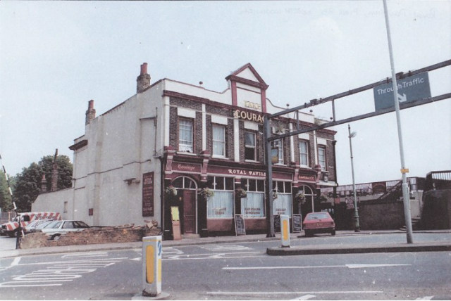 Royal Pavilion, viewed from Pier Road, pre-2000, taken by Graeme Fox [http://www.closedpubs.co.uk/london/e16_northwoolwich_royalpavilionhotel.html].